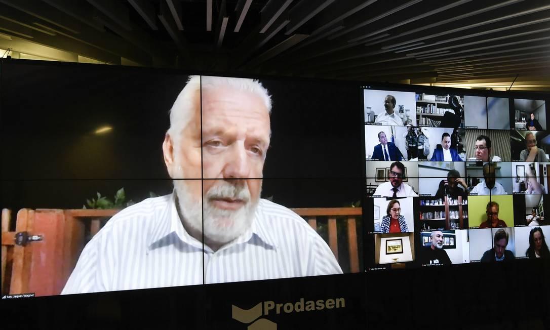 O relator Jaques Wagner durante a sessão por videoconferência: 76 dos 81 senadores votaram Foto: Leopoldo Silva/Agência Senado