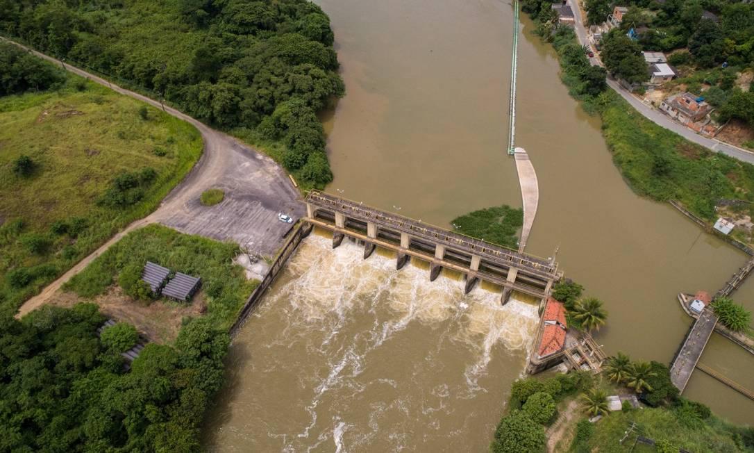 Encontro dos rios perto da estação de tratamento do Guandu Foto: Brenno Carvalho 29-01-2020 / Agência O Globo