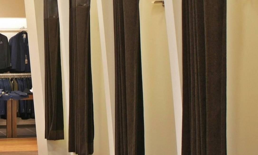 Cortinas de tecido terão que ser trocadas Foto: Gregor / Pixabay