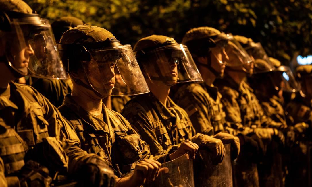Militares da Guarda Nacional protegem a Casa Branca a pedido de Donald Trump Foto: ERIN SCHAFF / NYT