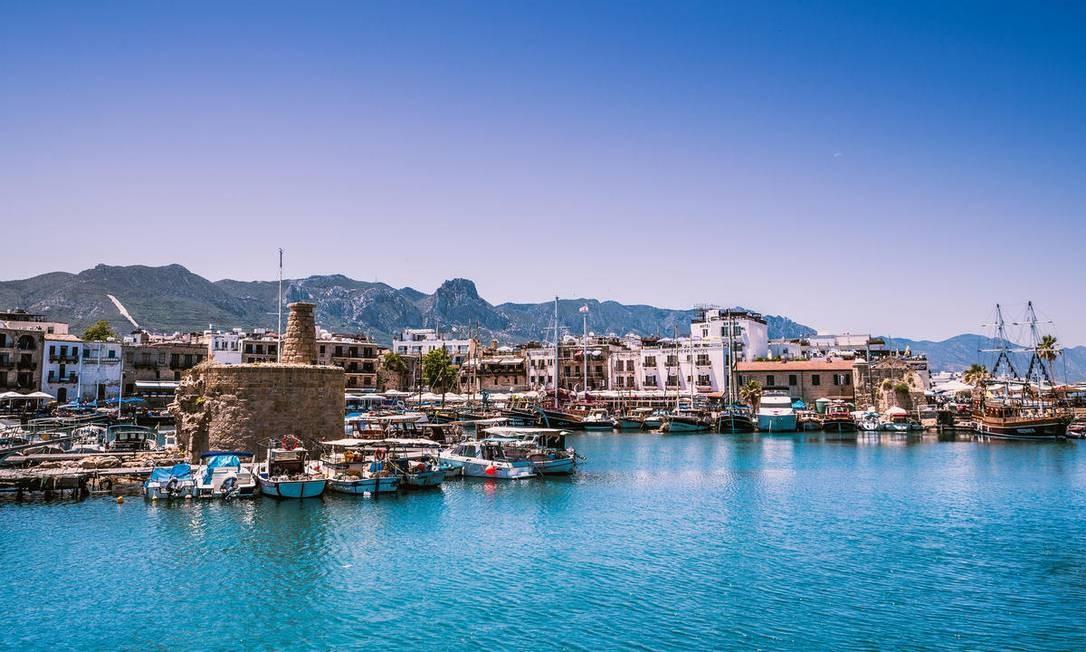 Porto de Kyrenia, no litoral norte do Chipre Foto: Tom Balcus / Reprodução / Creative Commons