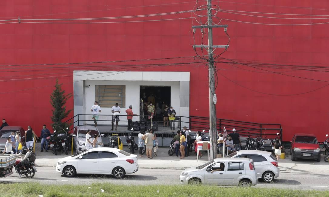 Reabertura de centros comerciais está a cargo de cada município Foto: Domingos Peixoto