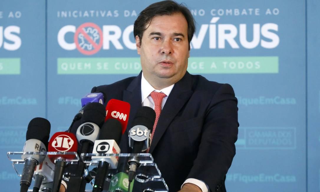 O presidente da Câmara dos Deputados, Rodrigo Maia (DEM-RJ), concede entrevista coletiva em Brasília (DF) Foto: Najara Araujo / Agência O Globo