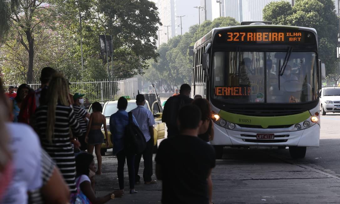 Terminal rodoviário da Central do Brasil, na manhã desta segunda-feira Foto: Pedro Teixeira / Agência O Globo