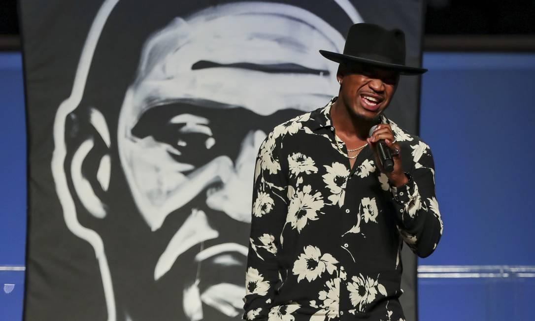 O cantor Ne-Yo se apresenta no funeral de George Floyd Foto: GODOFREDO A. VASQUEZ / AFP