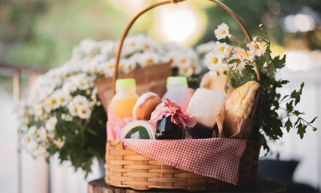 As cestas da Amor Gift Box foram criadas por duas amigas a partir do isolamento social Foto: Divulgação/Bernardo Pimentel