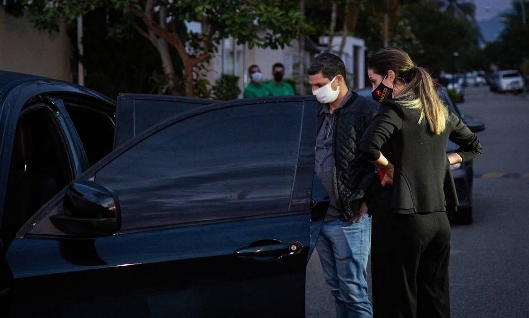 Operação aconteceu ao amanhecer desta quarta-feira Foto: Hermes de Paula / Agência O Globo