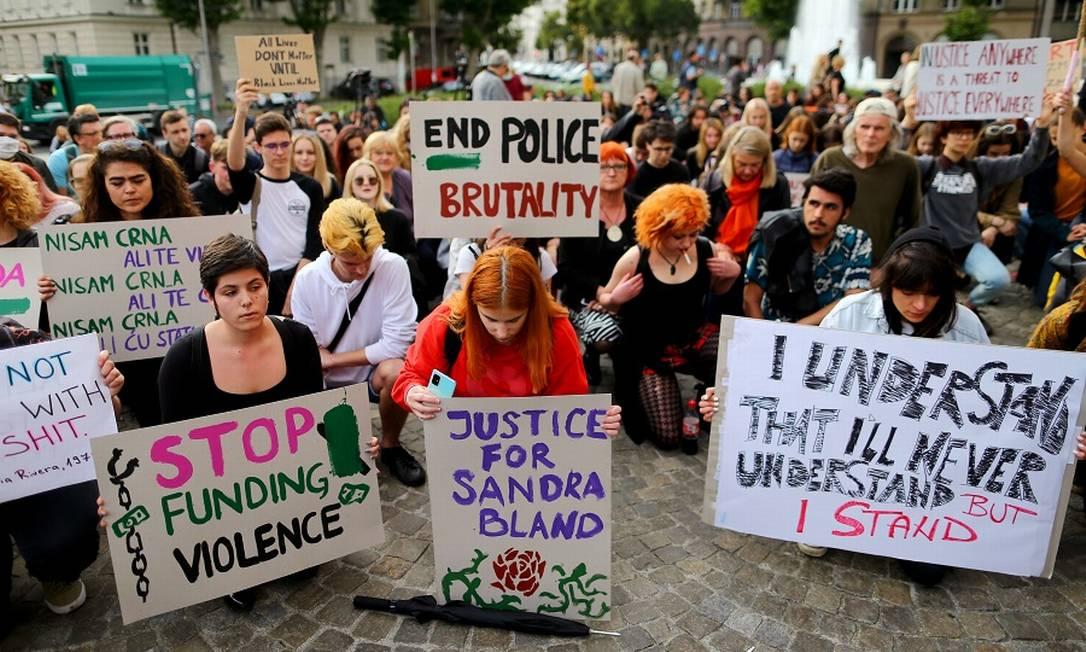 Protesto contra a morte de George Floyd na Europa. Foto: ANTONIO BRONIC / REUTERS