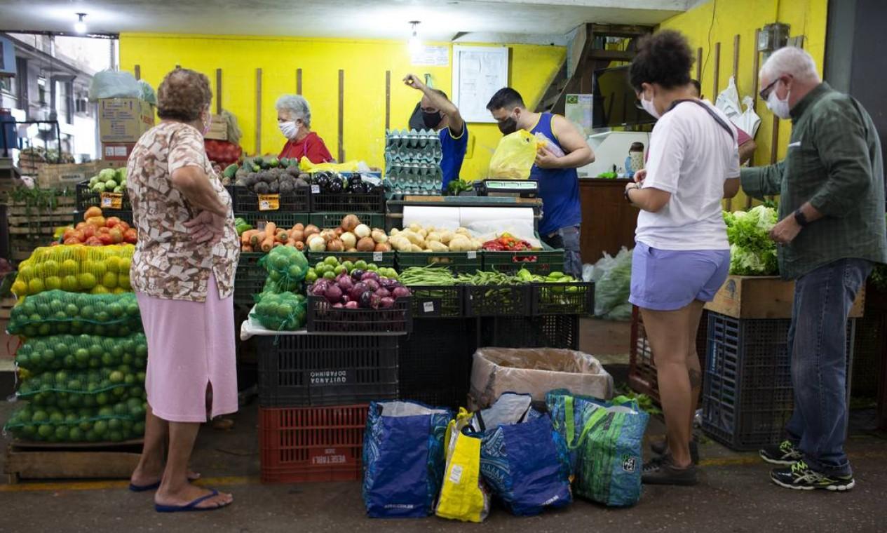 Movimento de compras na Cadeg Foto: Márcia Foletto / Agência O Globo
