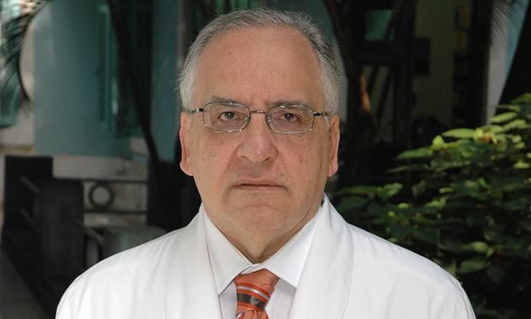 Para o infectologista Roberto Focaccia, quanto mais casos, mais chance de o vírus se perpetuar Foto: Divulgação / Divulgação
