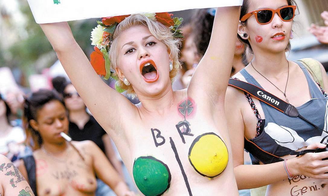 x34741531_03-02-2013GGAs-ativistas-de-topless-do-Femen-Brasil-vao-fazer-dois-protestos-na-cidade.jpg,qposicaoFoto1.pagespeed.ic.f7GUJOehbp.jpg