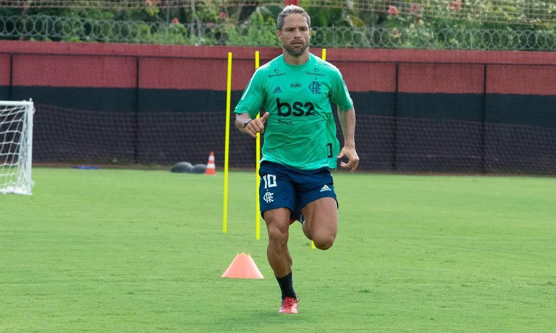 Diego, meia do Flamengo, em treino no Ninho do Urubu Foto: Alexandre Vidal/Flamengo