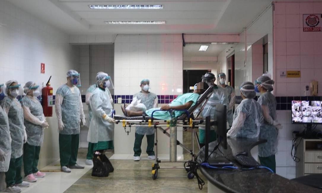 Atendimento de paciente com Covid-19 em hospital de Sobral Foto: Reprodução Facebook