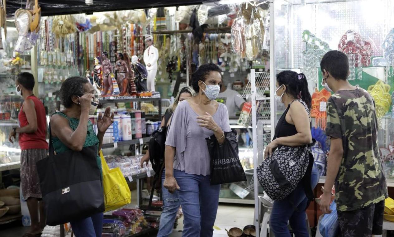 Mercadão de Madureira, na Zona Norte do Rio, reabriu suas portas nesta terça-feira (16), após três meses fechado devido às medidas restritivas de combate ao novo coronavírus Foto: Luiza Moraes / Agência O Globo