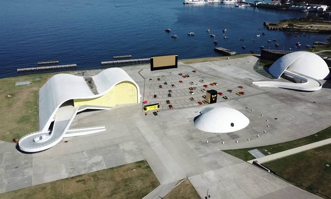 Projeto do drive-in no pátio do Caminho Niemeyer: vaga para 140 carros Foto: Divulgação/prefeitura de niterói
