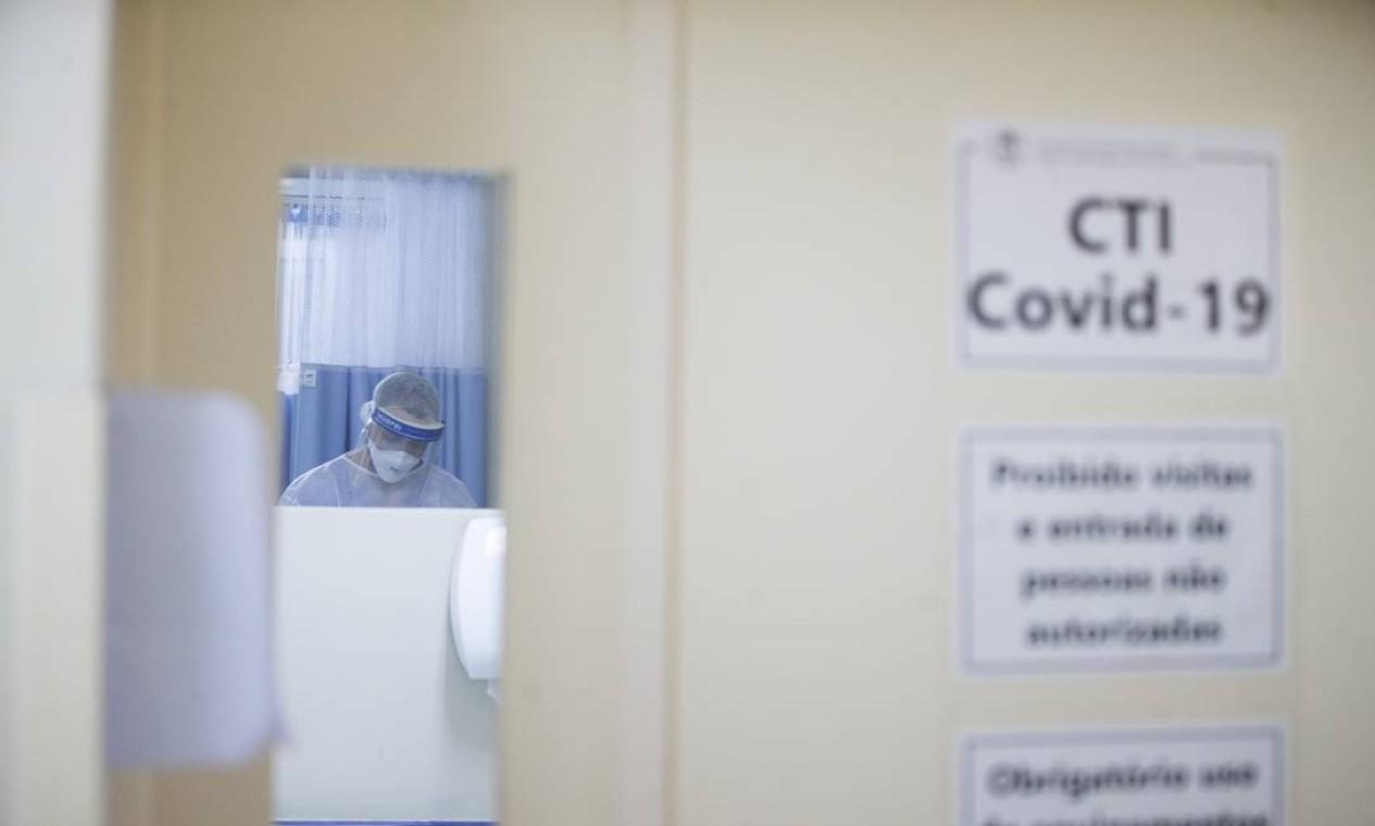 Hospital está implantando serviço de teleatendimento, para que pacientes possam continuar tratamento com exercícios respiratórios e motores após retornarem para casa Foto: Márcia Foletto / Agência O Globo