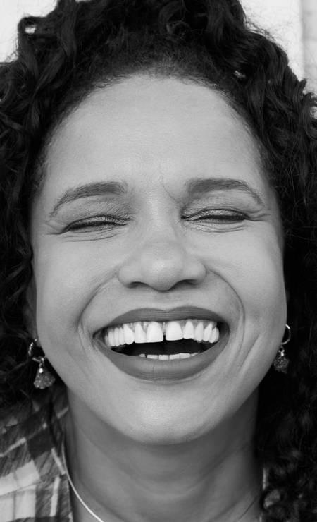 A cantora Teresa Cristina Foto: Leandro Tumenas   Assistência de fotografia: Adriano Valente   Produção de moda: Matheus Martins   Tratamento de imagem: Ana Duarte