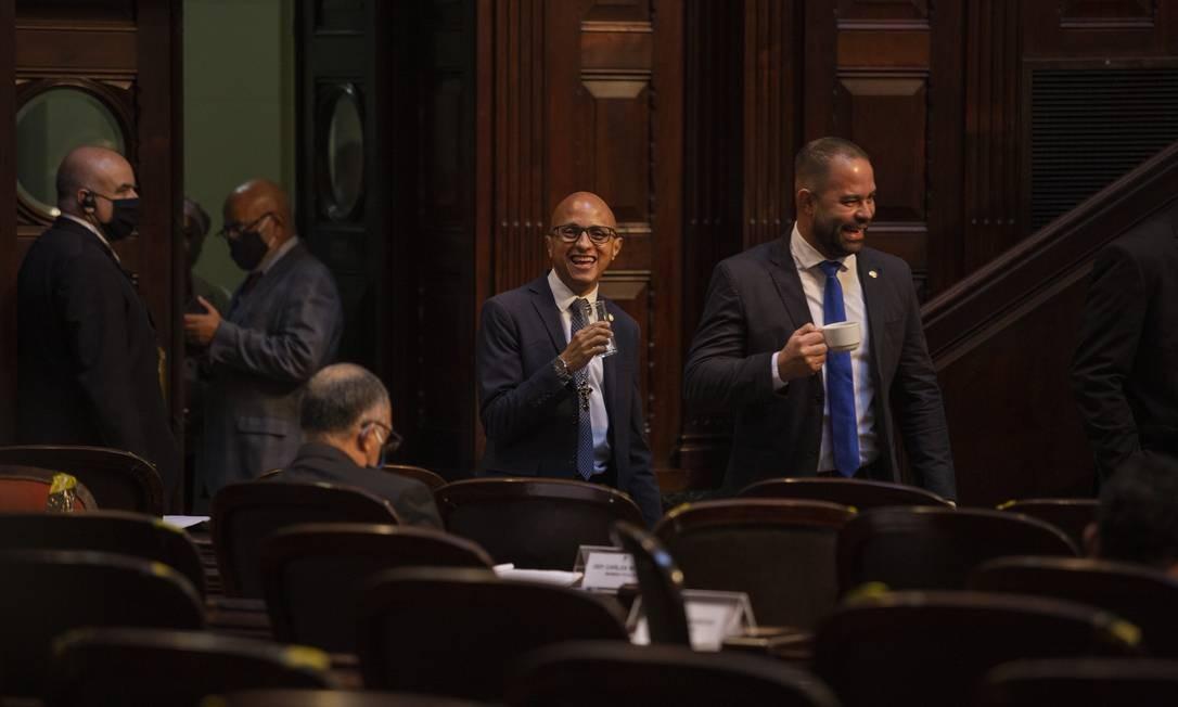 Orientação era circular pelo plenário com máscara, mas nem todos os parlamentares respeitaram a regra Foto: Gabriel Monteiro / Agência O Globo