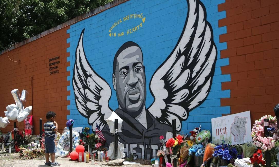 Mural em homenagem a Floyd na cidade de Houston, no Texas, onde cresceu Foto: MARIO TAMA / AFP / 10-6-2020