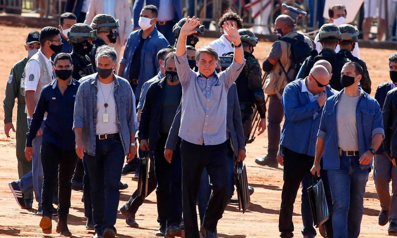 O presidente Jair Bolsonaro participa da inauguração de um hospital de campanha em Águas Lindas, no estado de Goiais Foto: SERGIO LIMA / AFP