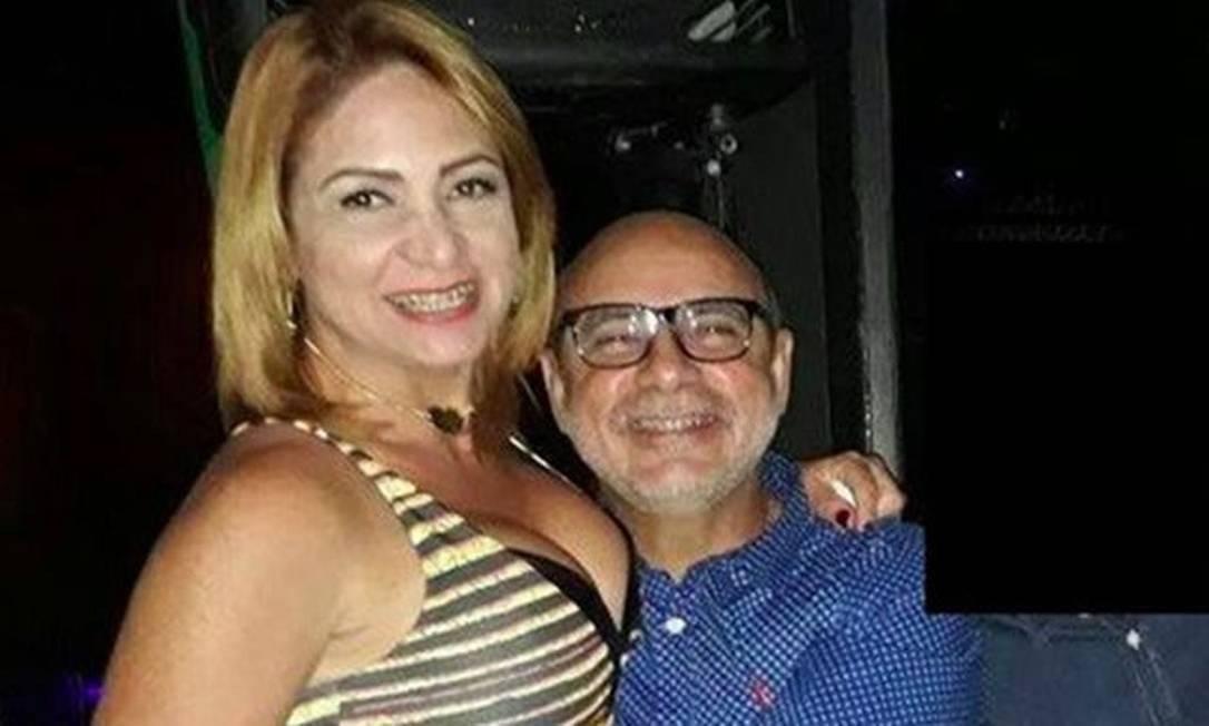 Queiroz e a mulher Márcia Aguiar Foto: Reprodução