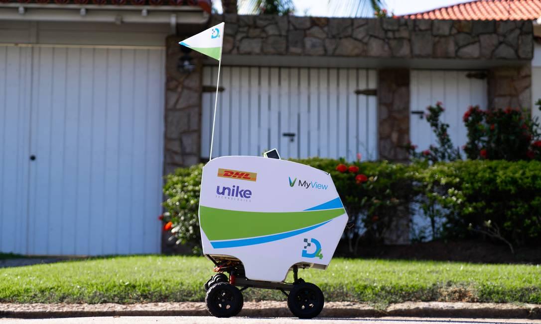 O drone terrestre Unike, que faz entregas em condomínios Foto: Leonardo Custodio