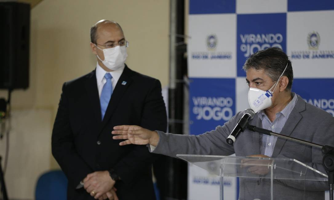 Fernando Ferry com o governador Wilson Witzel na sua posse, em maio Foto: Domingos Peixoto / O Globo - 19.05.2020