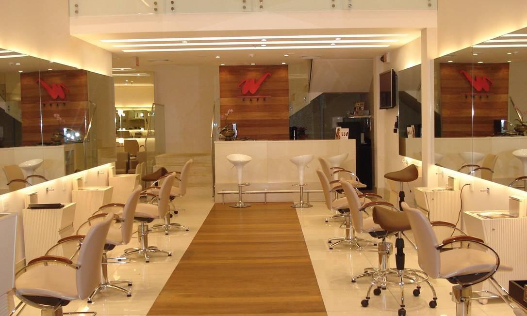 Salões de beleza em Shopping, como o espaço Werner Coiffeur, vão reabrir no Rio Foto: Divulgação - 29.06.2007