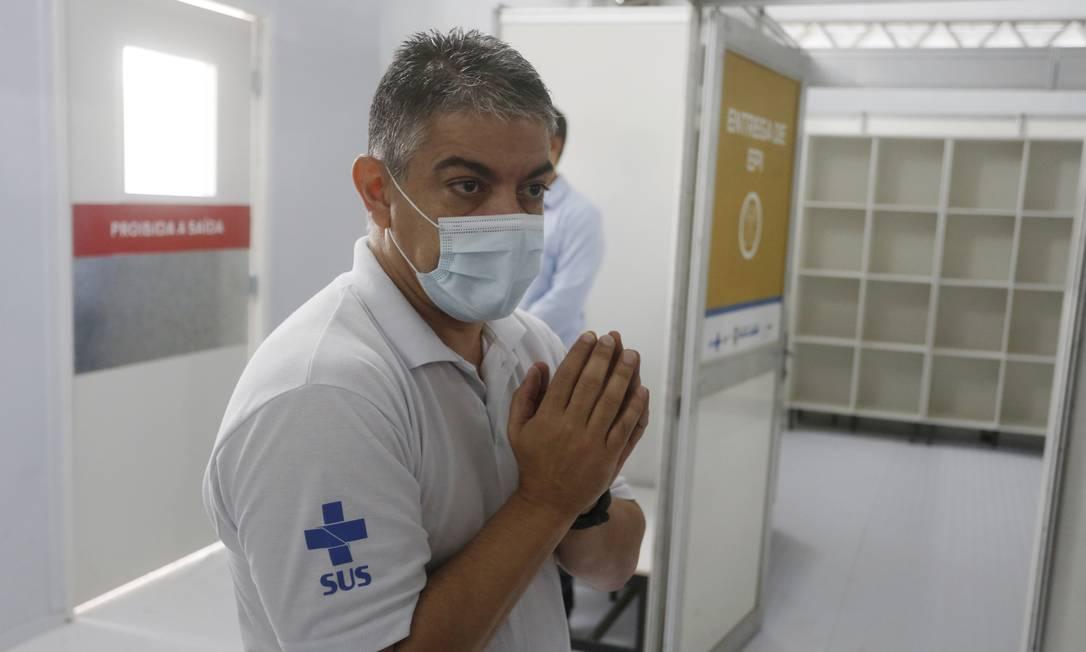 O médico Fernando Ferry, que ficou pouco mais de um mês na pasta da Saúde, justifica sua saída: 'Não vou sujar meu CPF' Foto: Fabiano Rocha / Agência O Globo