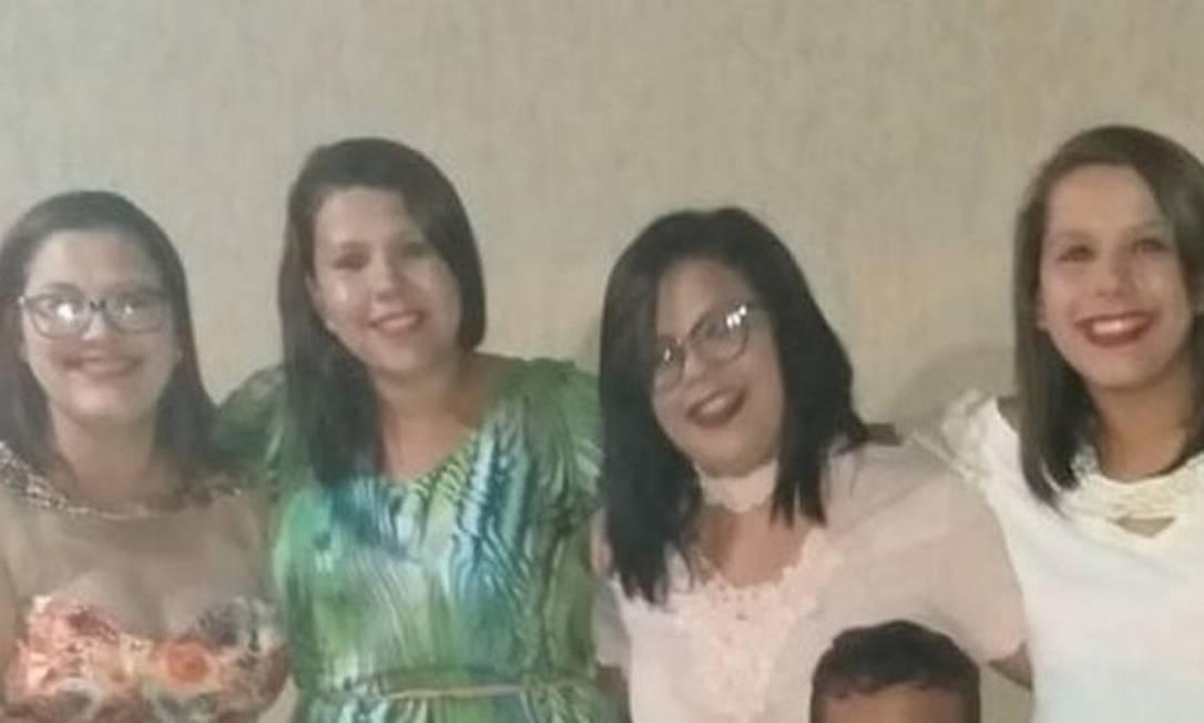 Lígia, Dalylla, Talytta e Samylla: filhas relatam viver pesadelo após morte de mãe em decorrência da covid-19 Foto: Arquivo pessoal