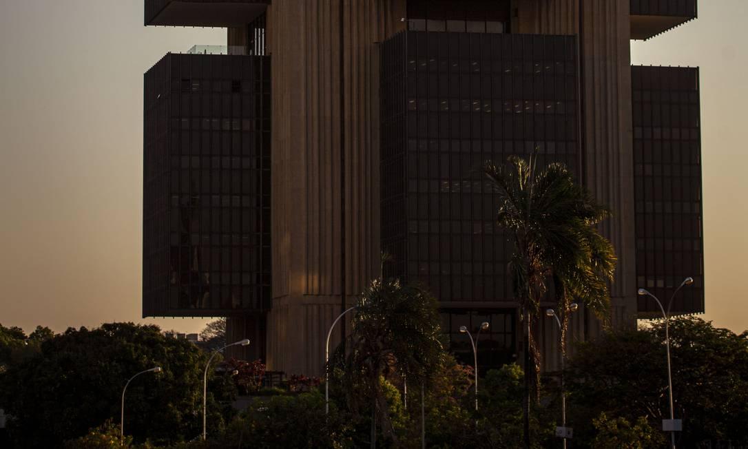 Despesas com medidas de combate aos efeitos da pandemia aumentou o endividamento do país Foto: Daniel Marenco / Agência O Globo