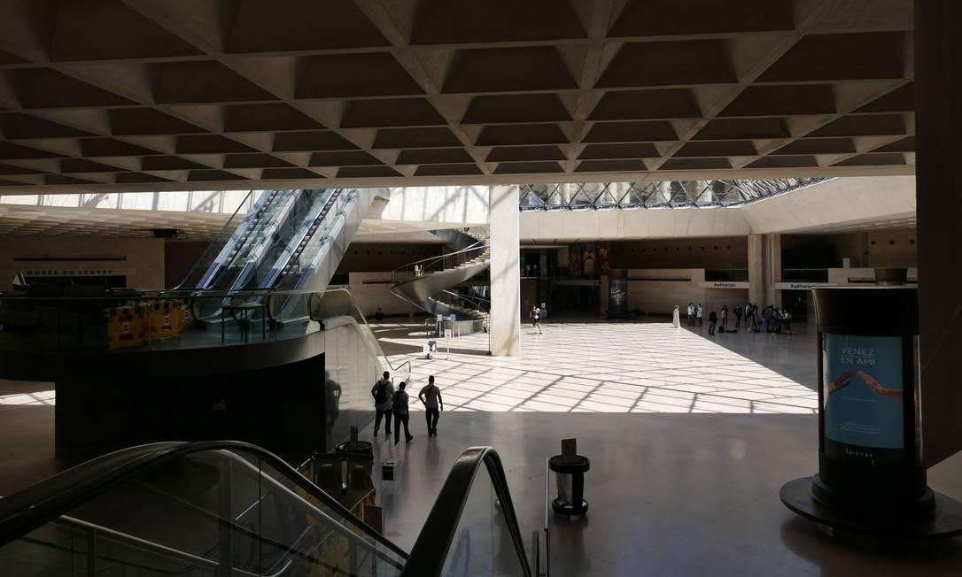 O site do museu, cujo acesso multiplicou por dez durante o confinamento – de 40 mil visitas diárias para um pico de até 400 mil – será renovado para 2021 e o conjunto das coleções do Louvre colocado online Foto: Fernando Eichenberg / Agência O Globo