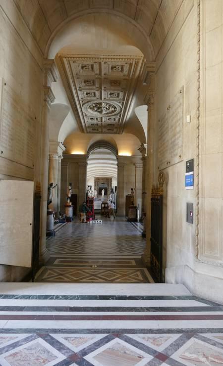 Com a reabertura, o Louvre espera atrair no máximo 30% do usual número de visitantes diários do museu Foto: Fernando Eichenberg / Agência O Globo