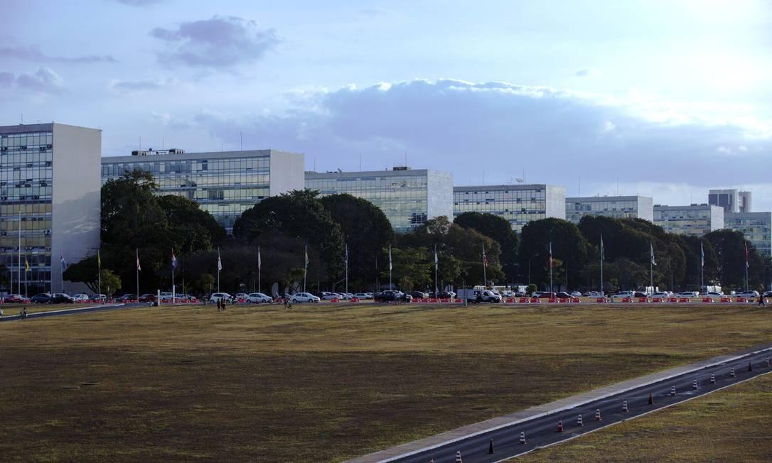 Esplanada dos Ministérios, em Brasília. Concursos públicos ficarão mais difíceis Foto: Daniel Marenco / Agência O Globo