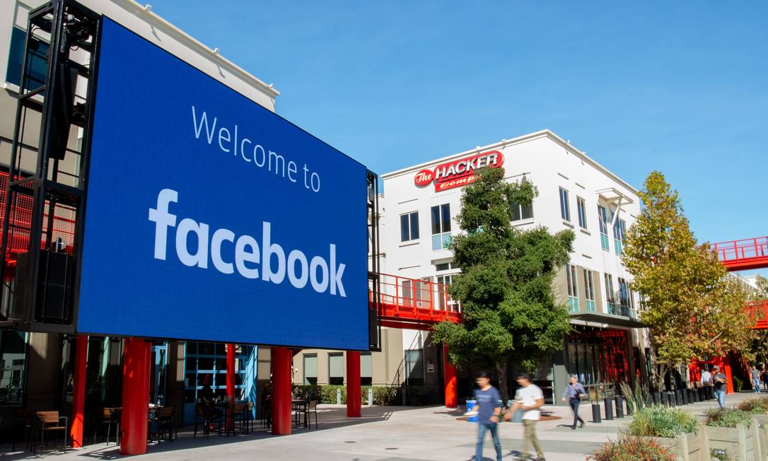 Facebook é derrotado na Justiça alemã e terá que encerrar coleta automática de dados dos usuários em aplicativos da companhia e sites de terceiros Foto: JOSH EDELSON / AFP