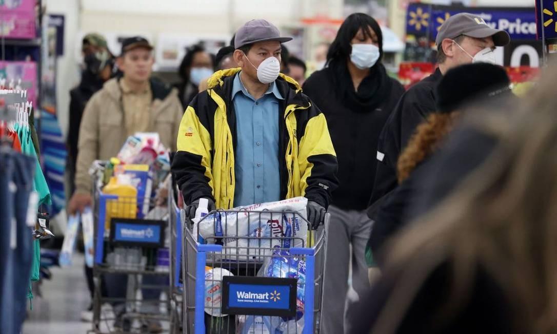 O Walmart estima em US$ 830 milhões os custos extras por causa da pandemia Foto: Al Bello / Photographer: Al Bello/Getty Ima