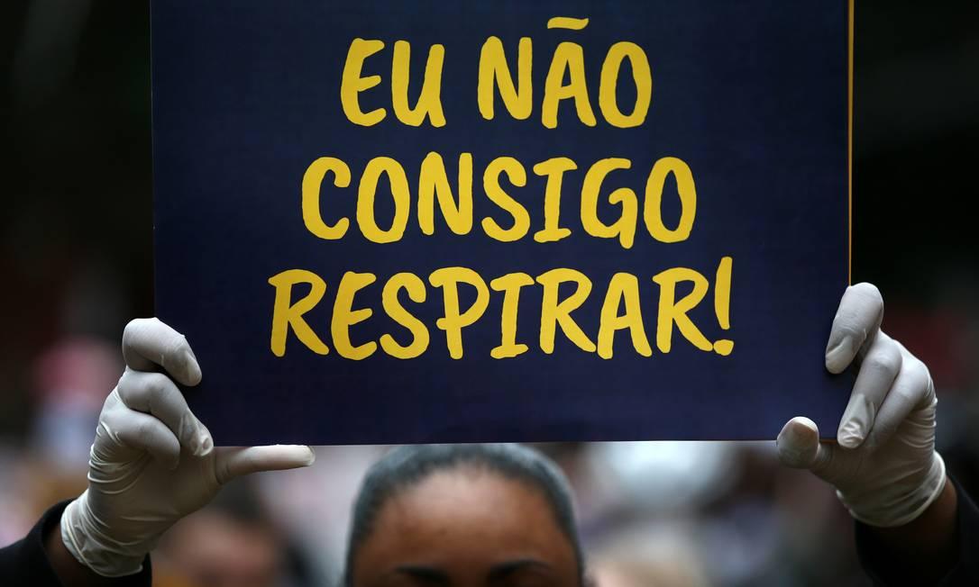 Uma semana após o assassinato de Floyd, o Brasil também viveu a dor de ver uma vida negra tratada sem importância e protestos eclodiram em diversas partes do país Foto: DIEGO VARA / REUTERS