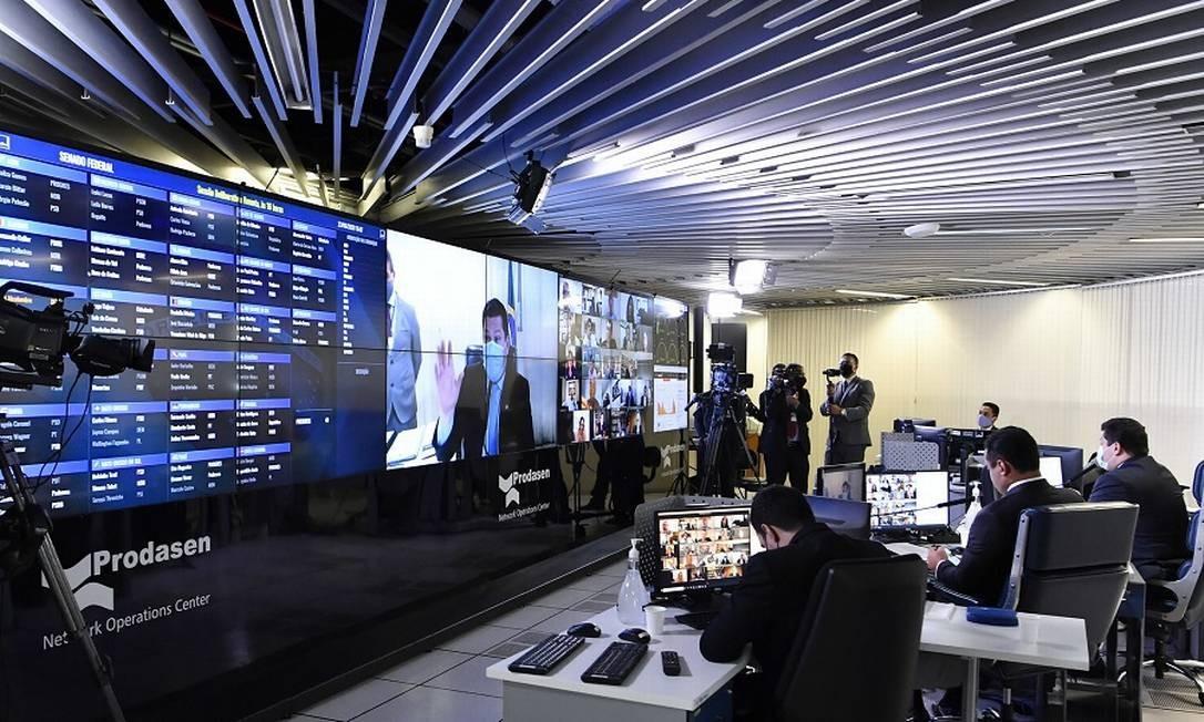 Sessão Deliberativa Remota (SDR) do Senado Federal Foto: Waldemir Barreto / Agência O Globo