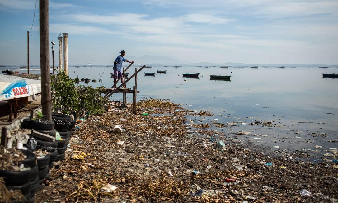 Praia de Tubiacanga, na Ilha do Governador Foto: Hermes de Paula / Agência O Globo
