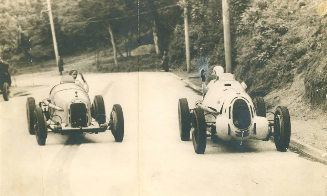 Duas Alfa Romeo no Circuito da Gávea, 1941 Foto: Arquivo O Globo / 1941