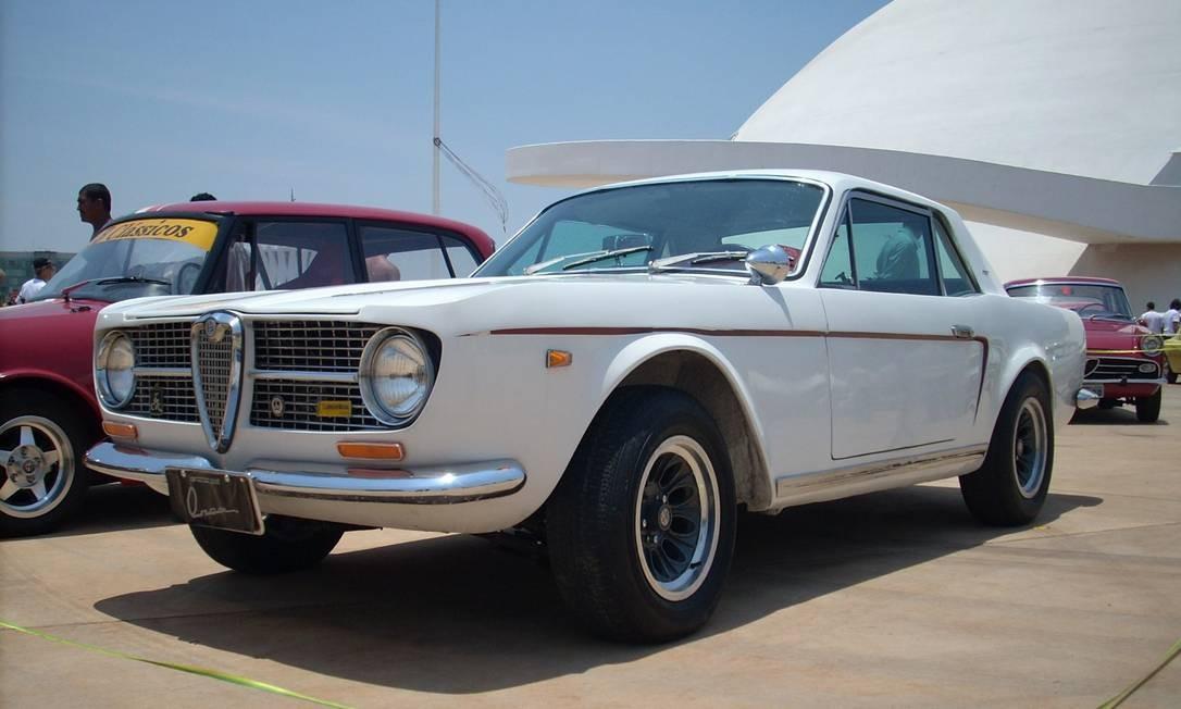 FNM Onça: carro com mecânica Alfa Romeo projetado no Brasil por Rino Malzoni, nos anos 60 Foto: Jason Vogel/ Agência O Globo / 13-1-2014