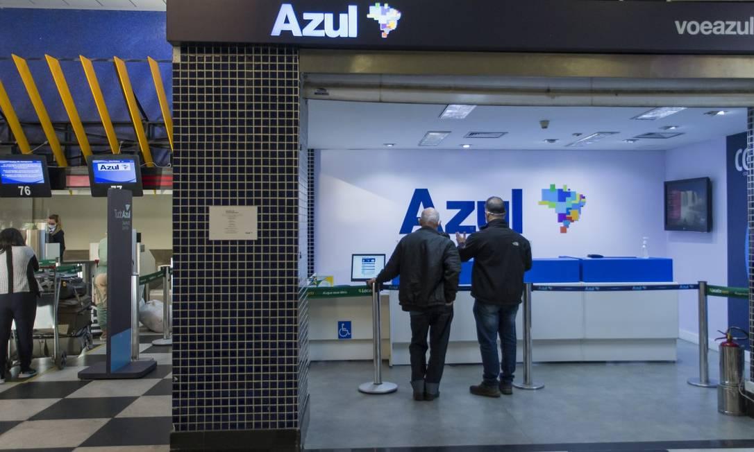 Balcão da Azul em Congonhas Foto: Edilson Dantas / Agência O Globo
