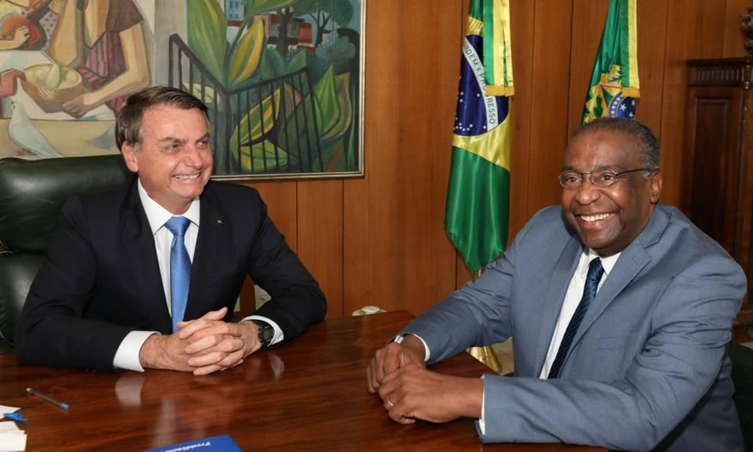 Presidente Jair Bolsonaro e Carlos Alberto Decotelli, anunciado como novo ministro da Educação Foto: Marcos Correa / PR