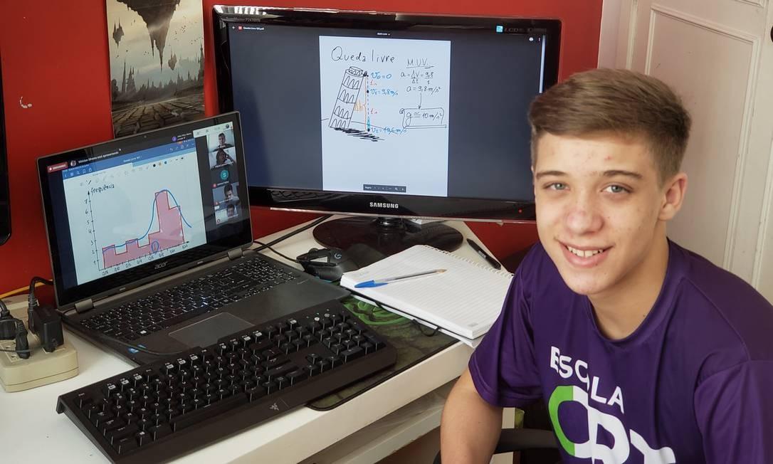 Aluno do 1º ano do ensino médio da escola ORT, Caio Tavares acha avaliação com consulta mais difícil Foto: Arquivo pessoal