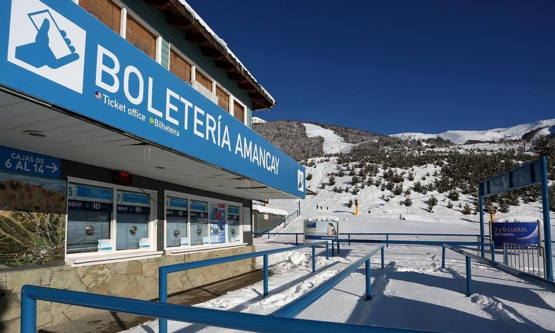 A bilheteria da estação de esqui Monte Catedral, que permanece fechada Foto: FRANCISCO RAMOS MEJIA / AFP