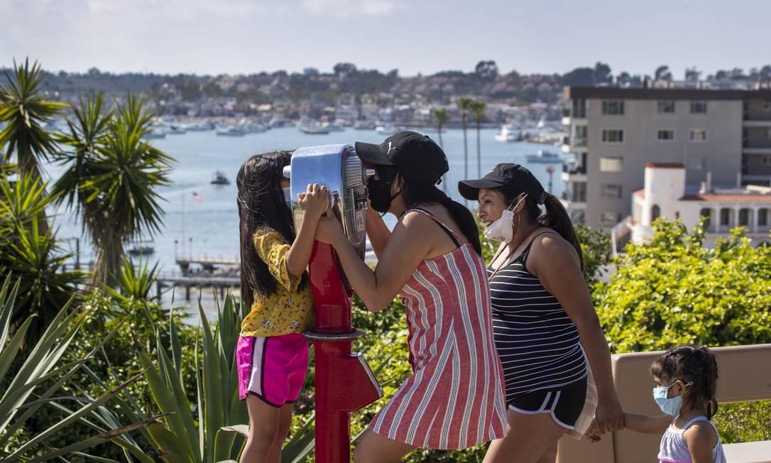 Comunidade latina nos EUA tem sido mais atingida pelo coronavírus Foto: Allen J. Schaben / Getty Images