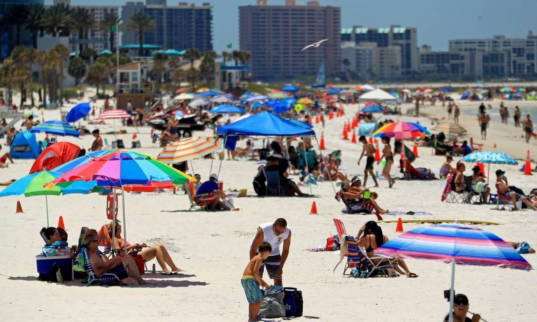 A Flórida tem tido recordes para novos casos quase diariamente desde meados de junho Foto: Mike Ehrmann / AFP