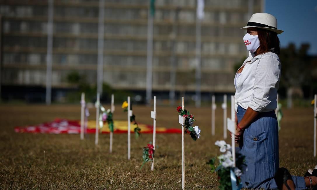 Ato protesto contra a política de enfrentamento da pandemia pelo governo Jair Bolsonaro Foto: Pablo Jacob / Agência O Globo