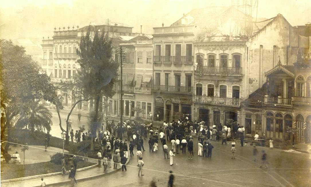 Praça Tiradentes fotografada por Augusto Malta, em 1906 Foto: Divulgação