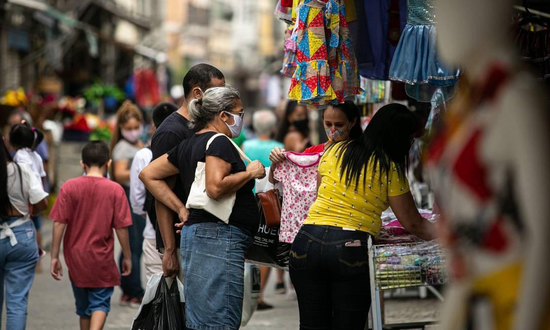 Comércio de rua é autorizado a reabrir, como no Saara, com lojas funcionando desde sábado Foto: Hermes de Paula/27-6-2020 / Agência O Globo